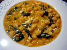 Se fue Don Carnal y llegó Doña Cuaresma y con ella el tiempo de los platos de cuchara como este potaje de garbanzos y espinacas.