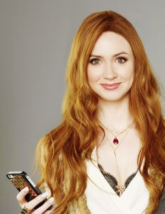 Karen Gillan - Selfie coming to ABC