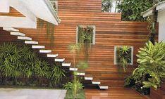 Escada designing Marcia Rispoli af7ed61930ac