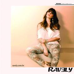 Inspiração para a coleção verão 2015 Ravely. Calças coloridas em tons leves e animal print dando o tom da coleção. #RAVELYSUMMER #MODA #ESTILO