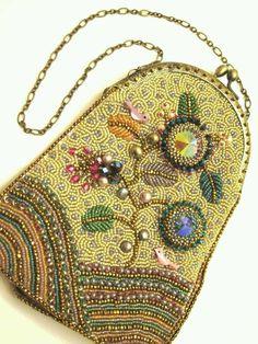 Springtime Beaded Clutch Purse - credit to Ann Benson Beads East Beaded Clutch, Beaded Purses, Beaded Bags, Beaded Jewelry, Vintage Purses, Vintage Bags, Vintage Handbags, Vintage Shoes, Etsy Vintage
