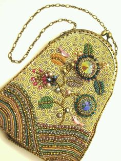 Springtime Beaded Clutch Purse - credit to Ann Benson Beads East