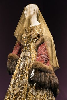 Oscar de la Renta Five Decades of Style exhibit George W Bush Presidential Library and Museum Dallas WWD EYE 2014