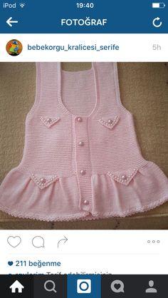 o kadar cok arastirdim ki Knitting For Kids, Crochet For Kids, Baby Knitting Patterns, Knitting Designs, Crochet Baby, Knitted Baby, Baby Girl Dress Patterns, Baby Dress, Girls Sweaters