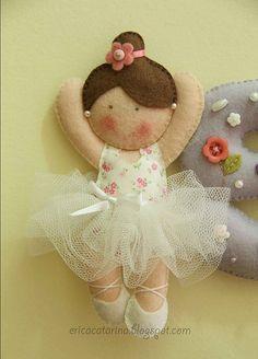 Wool Felt Ballerina Doll Catarina: A mobile of dancers for Sophia. Felt Diy, Felt Crafts, Diy Crafts, Felt Fabric, Fabric Dolls, Craft Projects, Sewing Projects, Felt Projects, Ballerina Doll