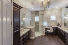 One of the biggest risks in the home when aging in place is the bathroom. Find out what to remodel in your bathroom when thinking of the future. Home Design, Küchen Design, Design Ideas, Bath Design, Cheap Bathroom Remodel, Shower Remodel, Naples, Pedestal, Bathroom Photos