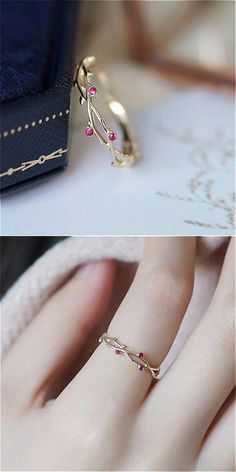 Vines Ring - Lovely Dainty Ring 2019 -Dainty Vines Ring - Lovely Dainty Ring 2019 - The most beautiful two stack ring set! The ultimate princess dream! GET YOURS AT OFF TODAY + Free Worldwide Sh. Dainty Ring, Dainty Jewelry, Cute Jewelry, Diamond Jewelry, Jewelry Accessories, Women Jewelry, Diamond Earrings, Jewelry Ideas, Gold Jewelry