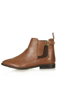 Tan leather Chelsea boots with buckle detail. Flat Boots, Shoe Boots, How To Have Style, Topshop Boots, Loafer Sneakers, Chelsea Ankle Boots, Winter Shoes, Shoe Shop, New Shoes