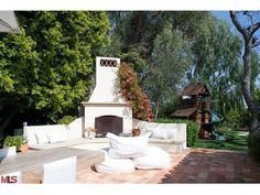 TRISHA TROUTZ: Spanish Style in Brentwood