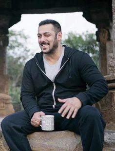 2262e525a1 Saala Khadoos ( Sliver7477). Salman Khan ...