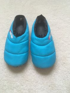 d53bb7a1f6a3 Baffin Unisex Cush Insulated Blue Slippers- Size M  fashion  clothing  shoes