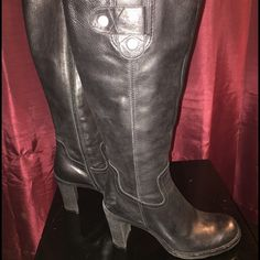 Real Leather knee high black boots Gianni Bini Super soft leather. Black knee high boots with heel. Gianni Bini. Zippers work perfectly. GUC Gianni Bini Shoes Heeled Boots