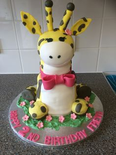 Cute Giraffe cake Danielles Homemade Cakes #giraffe #cake #babygirlcake