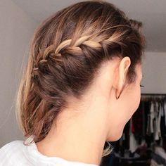 Une de mes coiffures préférées : tresse collée d'un côté, cheveux libres de l'autre. #coiffure #hairstyle #coiffuredujour #hairoftheday #cdj #hotd #tresse #braid #frenchbraid #lescoiffuresdemarionblush