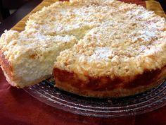 עוגת גבינה מיוחדת וטעימה במיוחד..     שילוב של גבינה ופירורי בצק פריך     מושלמת לסוף שבוע מפנק ולחג שבועו...