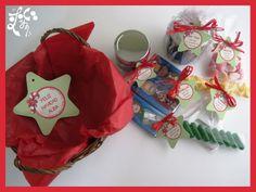 Detalle de cestas de Navidad para los profesores.
