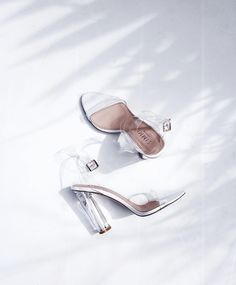 CHLOE | HOLLYWOOD sur Instagram : ✖️clear✖️ Officially my favorite pair of heels…