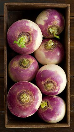 Vegetables with citrus substances, beta-carotene and phytochemicals like turnips also aid in removing carcinogens from the body Fresh Fruits And Vegetables, Root Vegetables, Fruit And Veg, Colorful Vegetables, Raw Food Recipes, Lilacs, Food Art, Plant Based, Food Photography