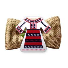 Broșă mărțișor Port popular românesc cu ie albă 8 Martie, Polymer Clay Crafts, Felt Dolls, 1 Decembrie, Decoupage, Handmade, Bags, Tattoos, Fimo