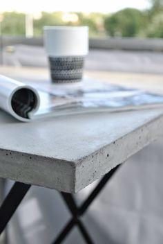 betongbord,betongbordsskiva,balkongbord,gjuta i betong,gjuta betongskivor,tärnö utemöbler,designconcept.se,designconcept,trädgård,altan,balkong,diy,diy betong,do-it-yourself