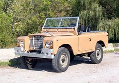 1974 Land Rover Series III Maintenance/restoration of old/vintage vehicles: the material for new cogs/casters/gears/pads could be cast polyamide which I (Cast polyamide) can produce. My contact: tatjana.alic@windowslive.com