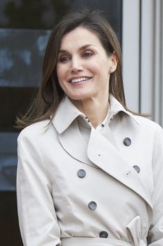 Queen Letizia of Spain Photos - Queen Letizia of Spain visits King Juan Carlos at La Moraleja Hospital on April 7, 2018 in Madrid, Spain. King Juan Carlos has been surgery on his right knee to replace an old prosthesis. - King Juan Carlos Goes Under Knee Surgery at Hospital