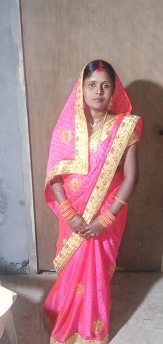 Beautiful Girl Indian, Beautiful Women, Dehati Girl Photo, Indian Beauty Saree, Girl Photos, Desi, I Am Awesome, Places, Angels