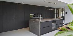 Minimal Kitchen Design, Kitchen Room Design, Kitchen Layout, Kitchen Ideas, Modern Kitchen Island, Kitchen Island With Seating, Ikea Kitchen Cabinets, Luxury Interior, Home Kitchens