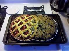 """If it was labeled, it would have to read: strawberry lattice crust (right), blueberry crumb crust (left) and heaven in the middle."" Mmmmmmmmmm"