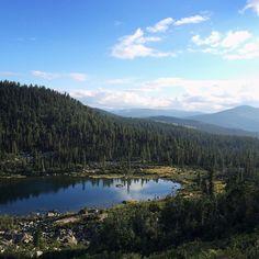 Хмуро было всего 2 дня из 12. Повезло с погодкой! Озеро #Радужное #Ергаки #поход…