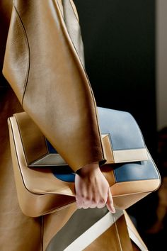 Be fierce in Fendi. Shop Fendi for women at Farfetch and find quirky pumps, feminine dresses and iconic purses. Fashion Details, Look Fashion, Fashion Bags, Fashion Shoes, Fashion Accessories, Womens Fashion, Girl Fashion, Fendi, Shoe Gallery