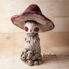 Deadly mushroom furrykami by Furrykami-creatures on DeviantArt Polymer Clay Kunst, Polymer Clay Sculptures, Polymer Clay Projects, Polymer Clay Creations, Sculpture Clay, Polymer Clay Mushroom, Halloween Clay, Clay Monsters, Crochet Dolls