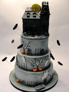 Halloween Haunted Mansion Cake - love the bats and airbrushing