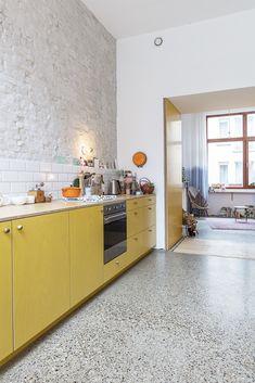 Kitchen Flooring, Kitchen Dining, Kitchen Decor, Küchen Design, House Design, Interior Design, Cuisines Design, Kitchen Colors, Beautiful Kitchens