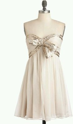 Love the bow on this #homecoming dress! https://www.etsy.com/shop/heartbunch