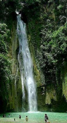 Mantayupan Falls in Cebu, Philippines | Flickr - Photo by Glenn Chua