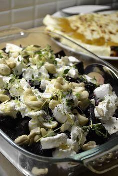 Hella & houkutus: Joulupöytään: Paahdettua punajuurta ja vuohenjuustoa Feta, Potato Salad, Cabbage, Potatoes, Cheese, Vegetables, Ethnic Recipes, Cake, Christmas