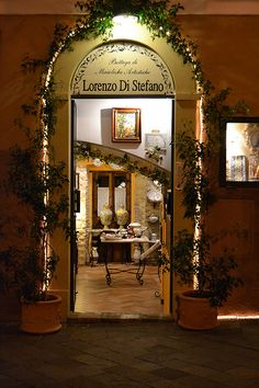 Pretty Shop in Castelli, Abruzzo, Italy Doorway, Oversized Mirror, Gate, Pretty, Shop, Beautiful, Home Decor, Italia, Places