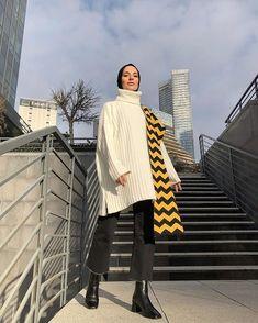 Women Face Drawing How Modern Hijab Fashion, Street Hijab Fashion, Hijab Fashion Inspiration, Muslim Fashion, Mode Inspiration, Modest Fashion, Teen Fashion, Fashion Outfits, Modest Wear