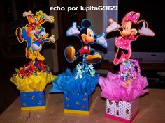 Centros de mesa mickey mouse Centerpieces, Parties, Party Ideas, House, Mickey Mouse Decorations, Theme Parties, Parties Kids, Frames, Fiestas
