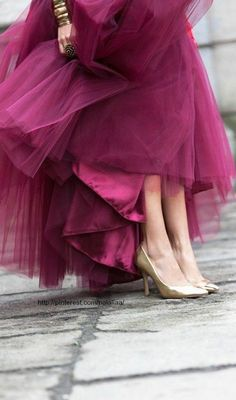 Love this color! Radiant Orchid looks fabulous in fashion — Pantone Color of The Year Magenta, Purple, Tutu, Fashion Essentials, Mode Inspiration, Color Inspiration, Mode Style, Pantone Color, Girly Girl