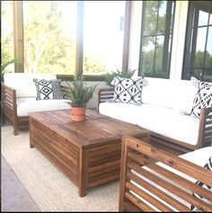 Do you enjoy to redesign your backyard, as much as we do? We are pretty sure, your answer is yes :-)  Here is an article related with backyard ideas. Wood Patio Furniture, Retro Furniture, Furniture Decor, Furniture Layout, Wood Patio Chairs, Outdoor Furniture Sets, Furniture Design, French Furniture, Refurbished Furniture