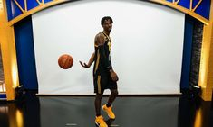 Pitt Staff Prioritizing 2023 Point Guards as Season Approaches | Pittsburgh Sports Now Pitt Basketball, Xavier University, Small Forward, Pittsburgh Sports, Virginia Tech, Johnson And Johnson, Best Player, North Carolina