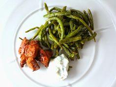 Sabrina's Køkken: Marineret kyllingstykker med bønnefritter og tzatziki