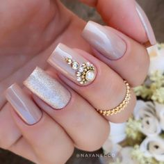 Great Inspiration Nail Art With Glitters To Look More Elegant Nail 02 Fabulous Nails, Perfect Nails, Gorgeous Nails, Gel Uv Nails, Acrylic Nails, Bridal Nails, Wedding Nails, Cute Nails, Pretty Nails