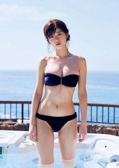 Electric Last Minute: 画像 Bikini Babes, Sexy Bikini, Sexy Girl, Sexy Asian Girls, Sexy Hot Girls, Japan Girl, Malta, Asian Beauty, Swimwear