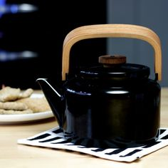 Finnish design: Arabia's beautiful vintage teapot. They have now started to make these again in different colours.