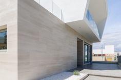http://www.urbatek.com/en/proyecto/bezel-house/