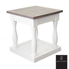 Lekkert og tøft Harmoni sidebord med bordplate i behandlet brungrå eik. Bordet kombinerer lyst og mørkt på en delikat måte og fremstår…