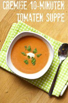 Nur 4 Zutaten und 10 Minuten und schon hat man eine leckere cremige Tomatensuppe gezaubert.